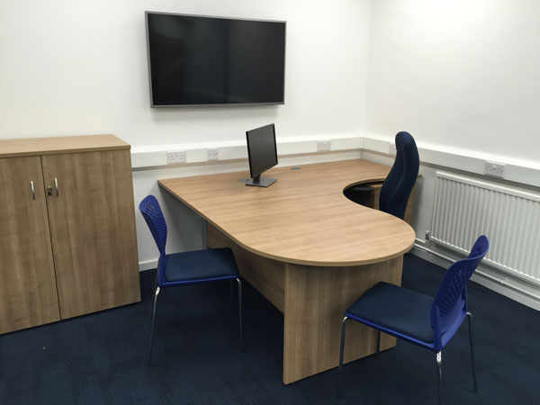 Office furniture made to measure for your office space
